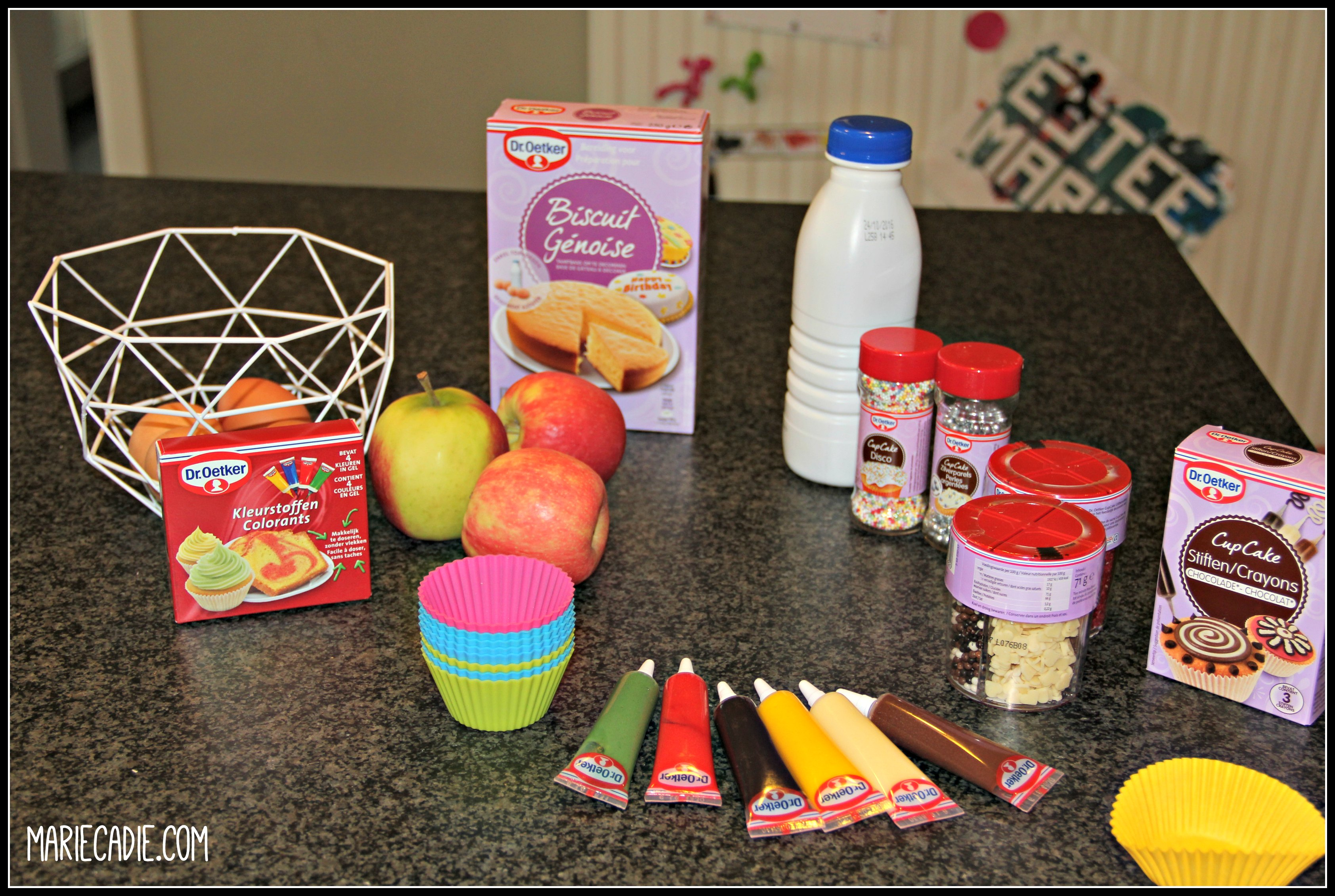 mariecadie-com-red-velvet-rainbow-cupcakes-1